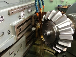 "Improving Bevel Gears through ""Surface Structure Shift"""
